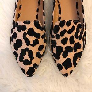 🆕 Leopard Pointy Toe Flat